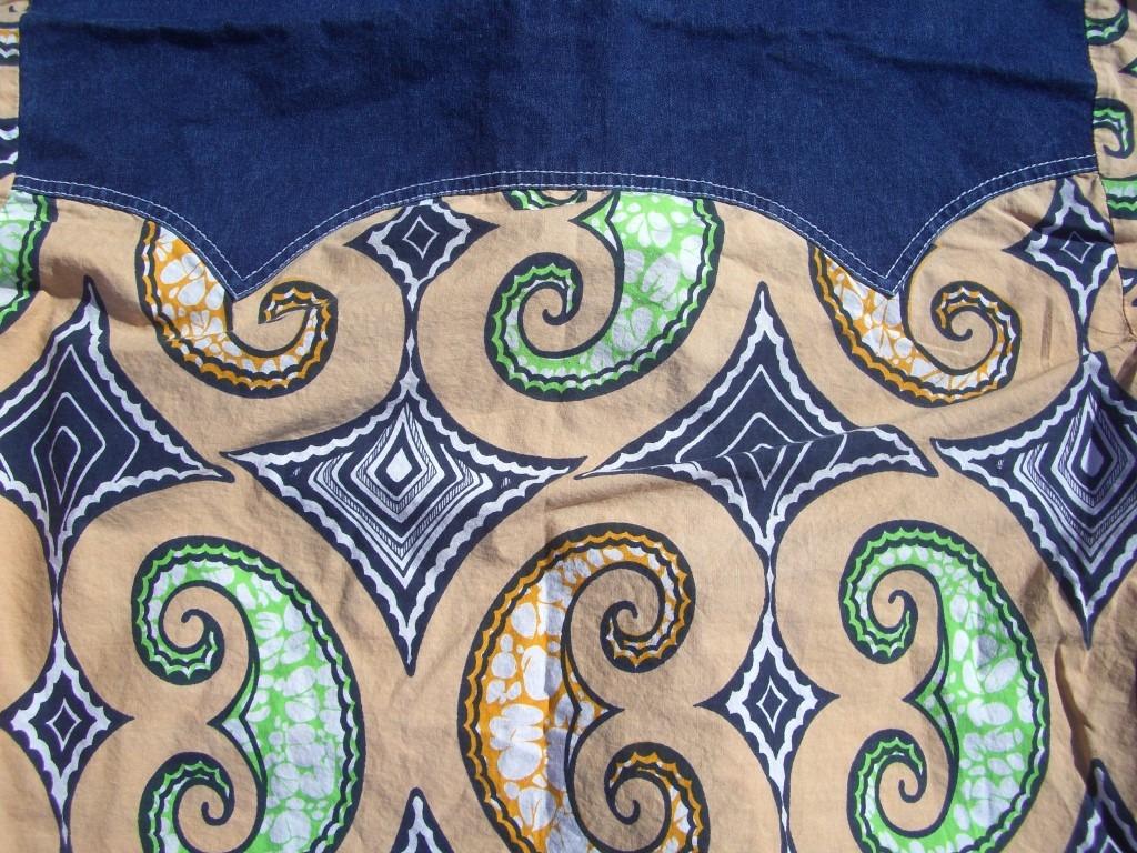 70s-vintage-denim-and-swirls-western-snap-button-shirt-back-pattern