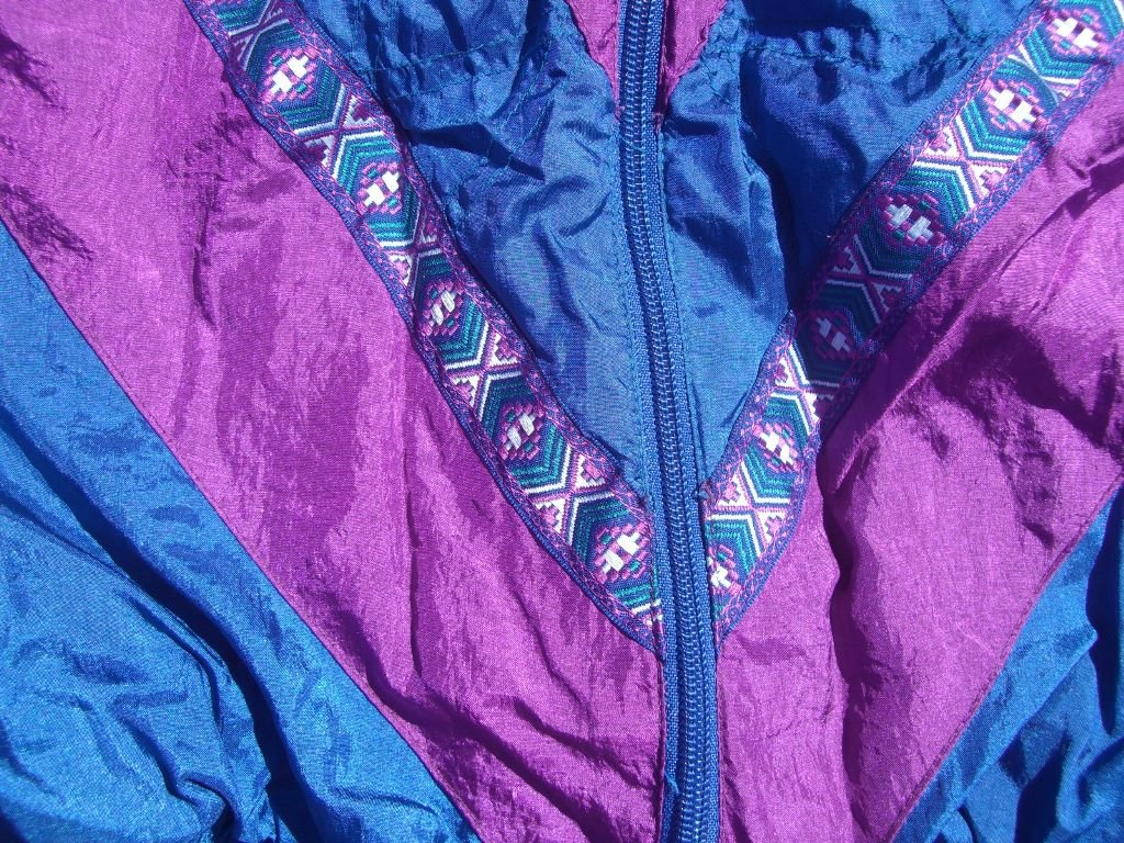 90s-converging-stripes-bocoo-windbreaker-sipper