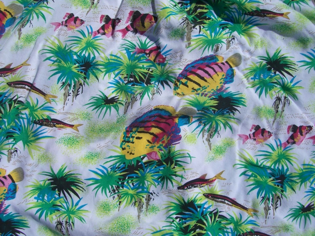 gap-neon-fish-hawaiian-shirt-back-pattern