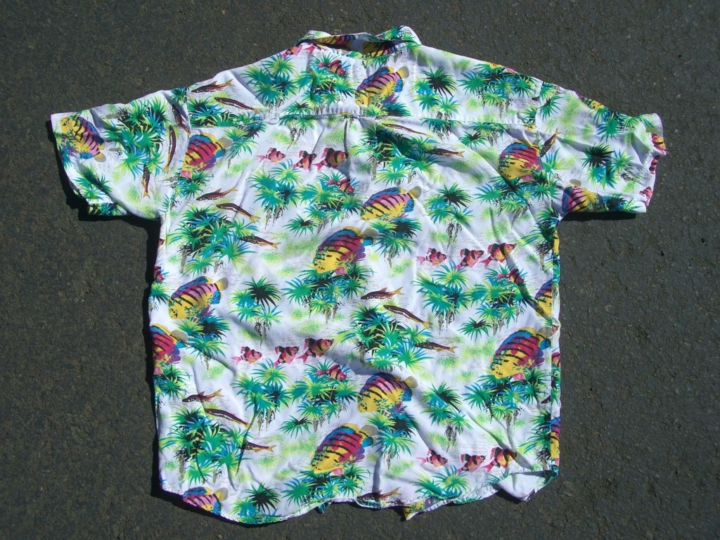 gap-neon-fish-hawaiian-shirt-back