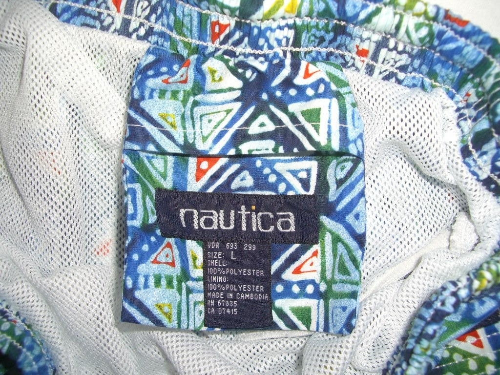 crazy-90s-style-nautica-shorts-tag